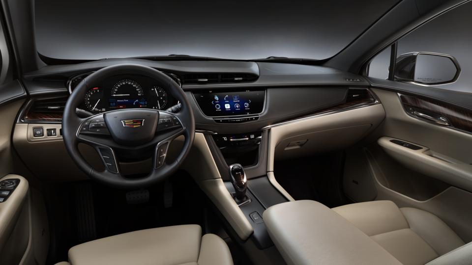 new 2017 cadillac xt5 from your fullerton ca dealership renick cadillac. Black Bedroom Furniture Sets. Home Design Ideas