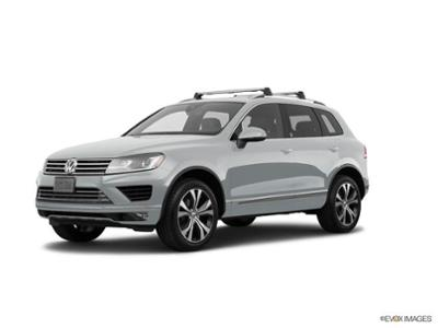 2017 Volkswagen Touareg at Bergstrom Automotive