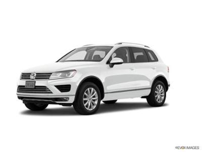 2017 Volkswagen Touareg at Bergstrom Automotive