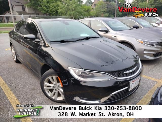 2015 Chrysler 200 Vehicle Photo in AKRON, OH 44303-2185