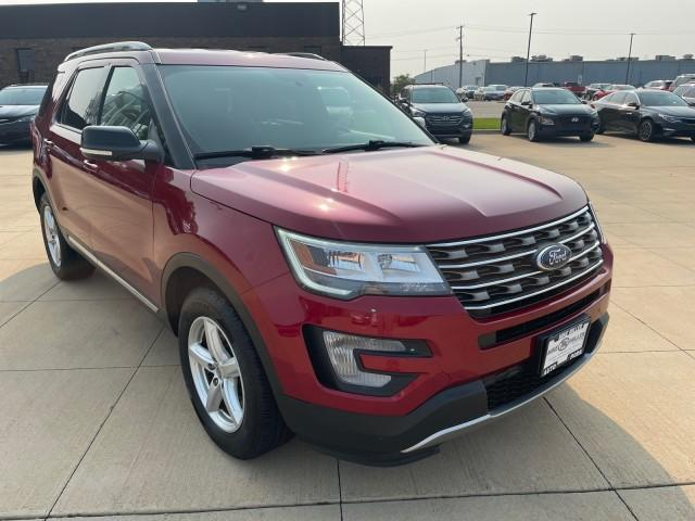 2017 Ford Explorer Vehicle Photo in Peoria, IL 61615