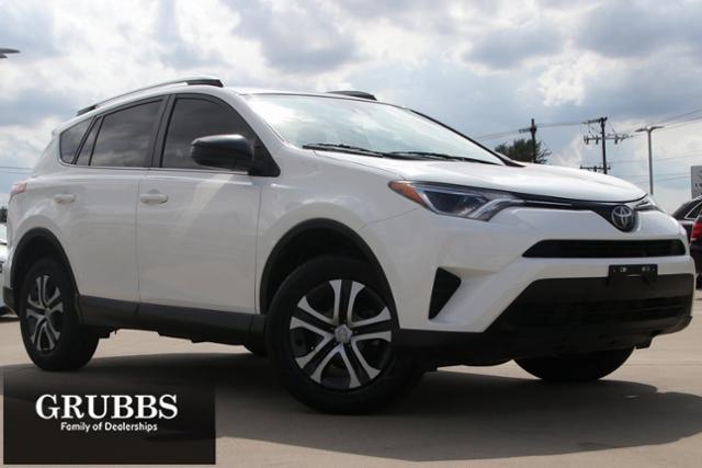 2018 Toyota RAV4 Vehicle Photo in Grapevine, TX 76051