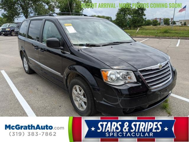 2010 Chrysler Town & Country Vehicle Photo in Cedar Rapids, IA 52402