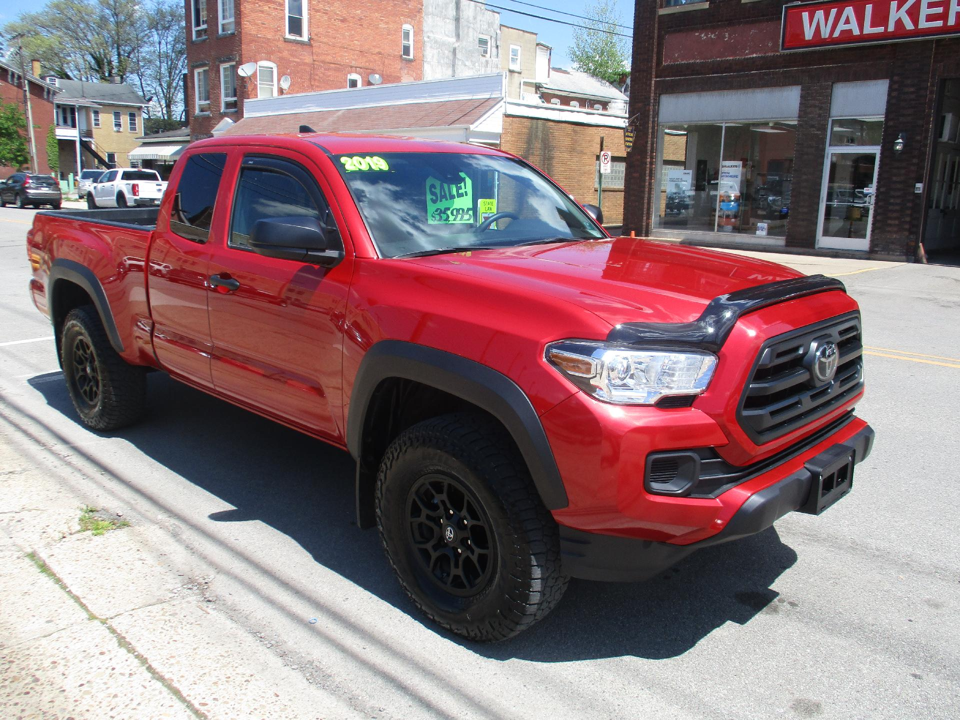 2019 Toyota Tacoma 4WD Vehicle Photo in Kittanning, PA 16201