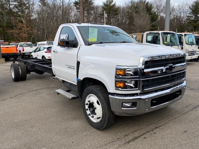 2021 Chevrolet Silverado Chassis Cab Vehicle Photo in Wakefield, MA 01880