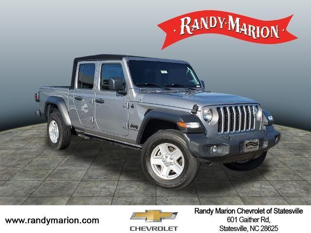 Huntersville Billet Silver Metallic Clearcoat 2020 Jeep Gladiator Used Truck For Sale Sp4200