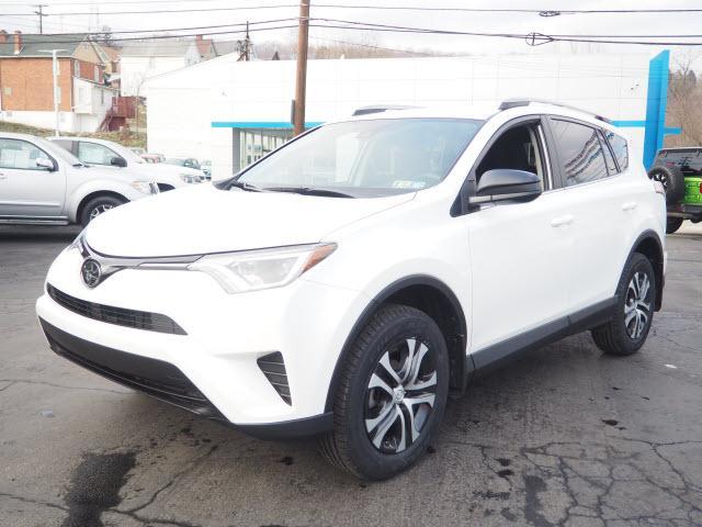 2018 Toyota RAV4 Vehicle Photo in Tarentum, PA 15084