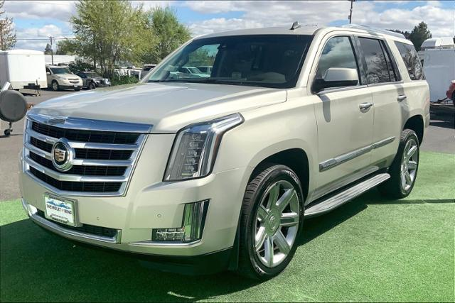 2015 Cadillac Escalade Vehicle Photo in Bend, OR 97701