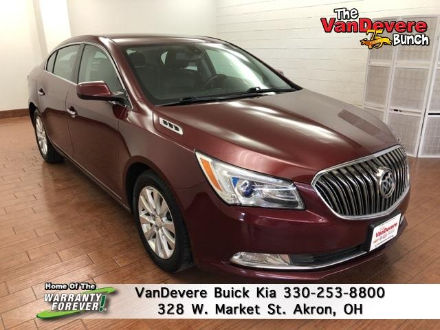 2015 Buick LaCrosse Vehicle Photo in Akron, OH 44303