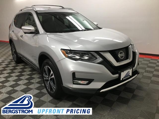 2017 Nissan Rogue Vehicle Photo in Appleton, WI 54913