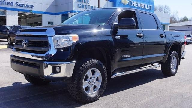 2015 Toyota Tundra 4WD Truck Vehicle Photo in Milford, OH 45150