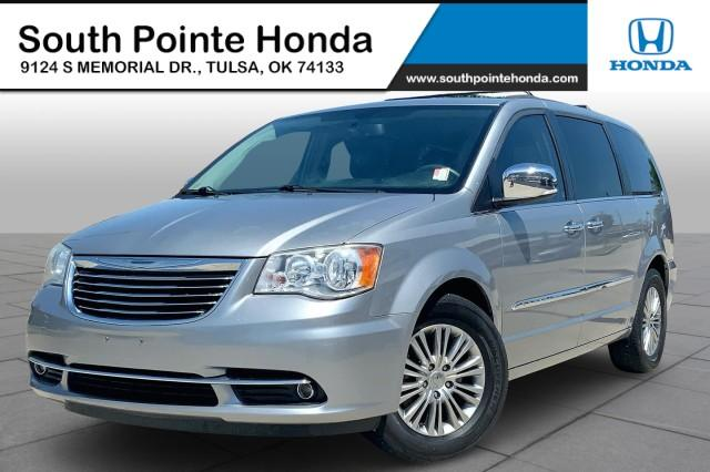 2014 Chrysler Town & Country Vehicle Photo in Tulsa, OK 74133