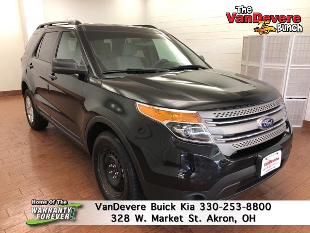 2013 Ford Explorer Vehicle Photo in Akron, OH 44303