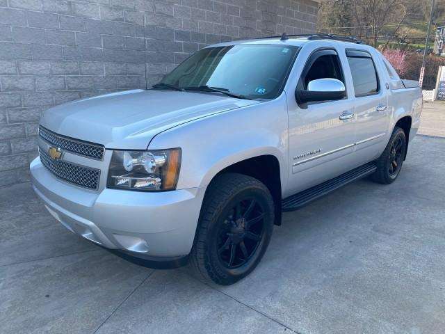2013 Chevrolet Avalanche Vehicle Photo in ELLWOOD CITY, PA 16117-1939