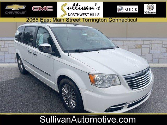 2011 Chrysler Town & Country Vehicle Photo in TORRINGTON, CT 06790-3111