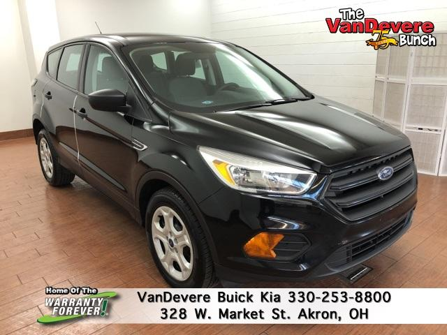 2017 Ford Escape Vehicle Photo in AKRON, OH 44303-2185
