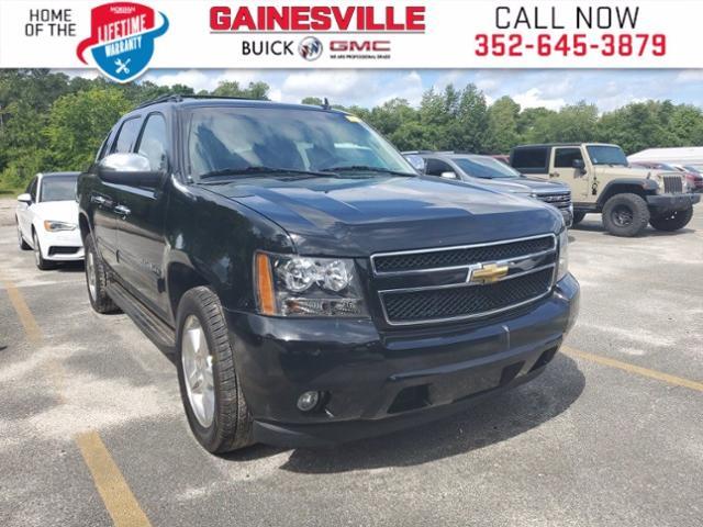 2013 Chevrolet Avalanche Vehicle Photo in GAINESVILLE, FL 32609-3647