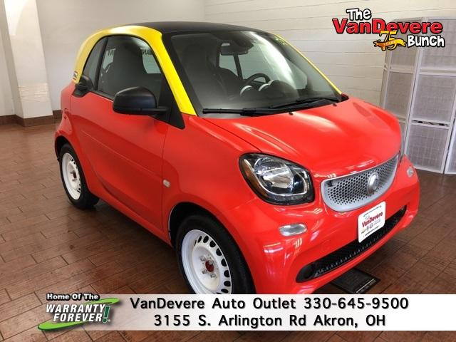 2016 smart fortwo Vehicle Photo in Akron, OH 44312
