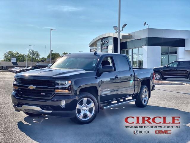2018 Chevrolet Silverado 1500 Vehicle Photo in HIGHLAND, IN 46322-2603