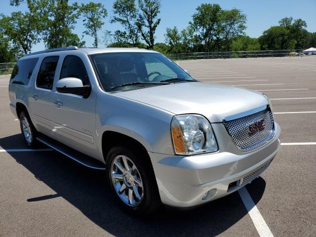 2014 GMC Yukon XL Vehicle Photo in Columbia, TN 38401
