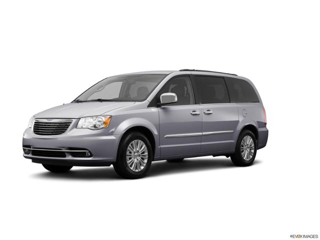 2013 Chrysler Town & Country Vehicle Photo in Davenport, IA 52806