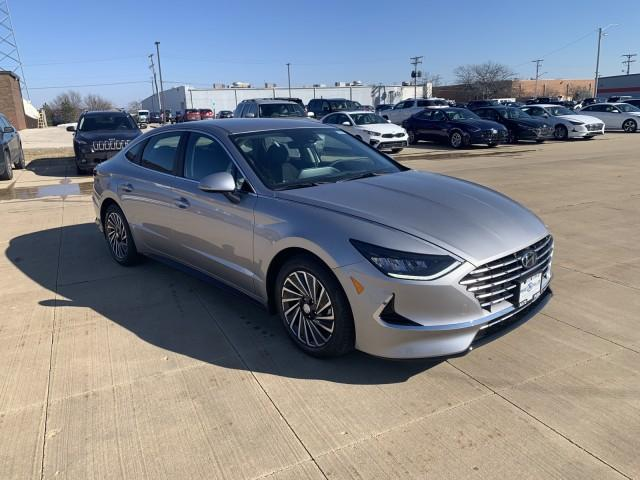 2021 Hyundai Sonata Hybrid Vehicle Photo in Peoria, IL 61615