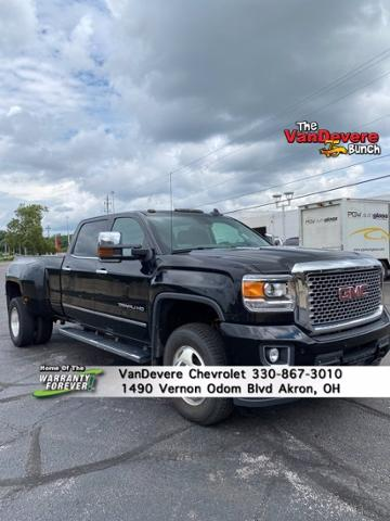 2015 GMC Sierra 3500HD available WiFi Vehicle Photo in AKRON, OH 44320-4088