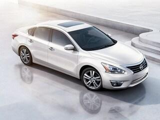 2014 Nissan Altima Vehicle Photo in Marion, IA 52302