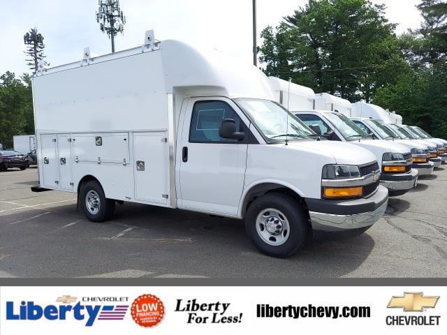 2021 Chevrolet Express Commercial Cutaway Vehicle Photo in Wakefield, MA 01880