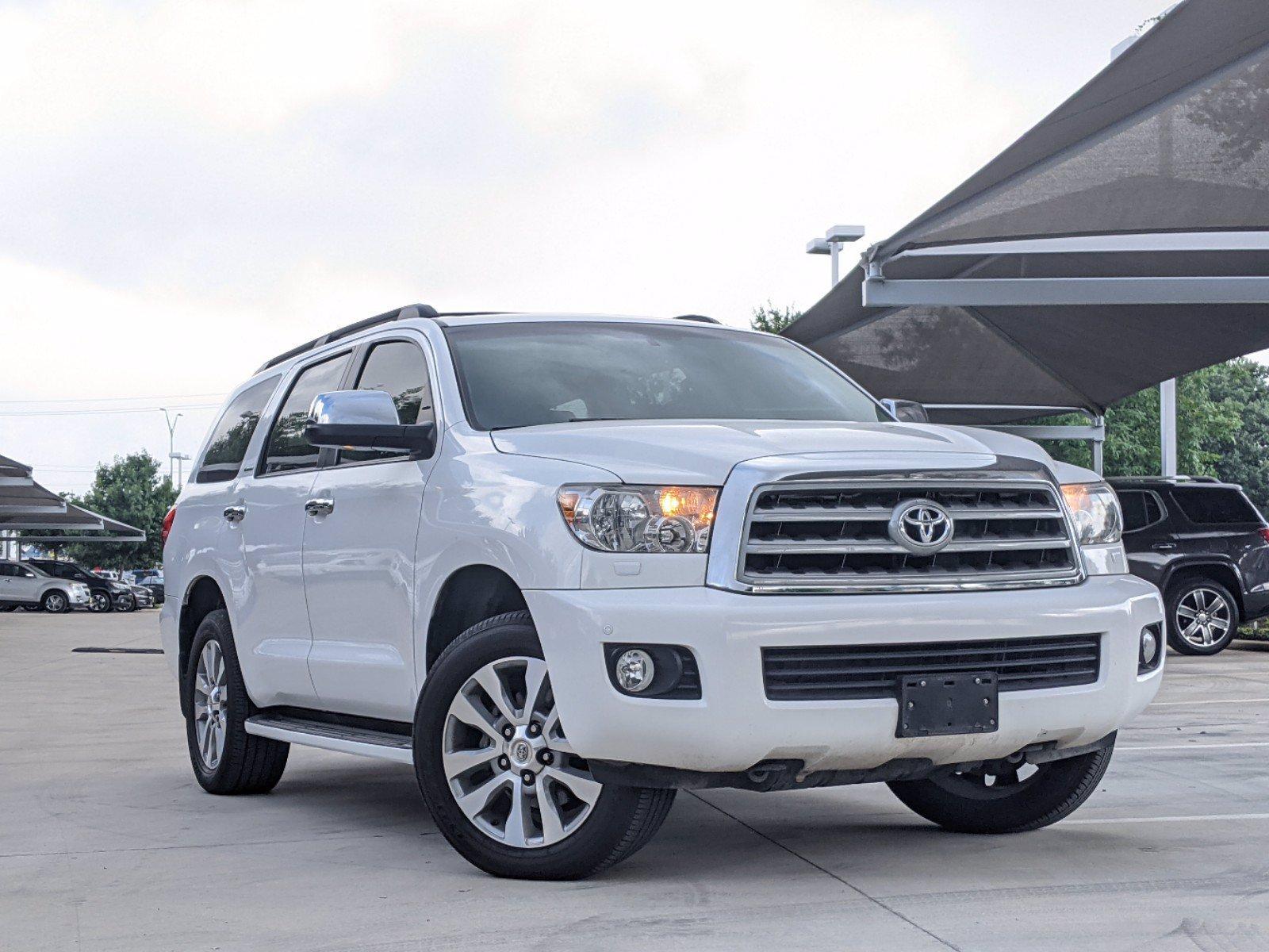 2016 Toyota Sequoia Vehicle Photo in Selma, TX 78154