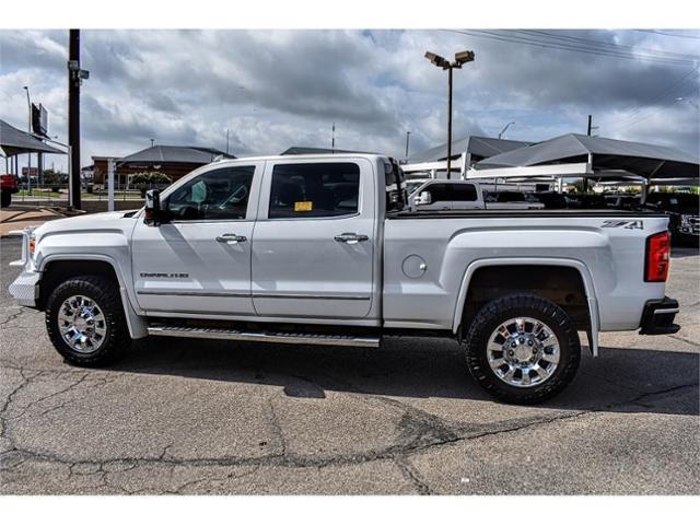 2015 GMC Sierra 2500HD available WiFi Vehicle Photo in San Angelo, TX 76901