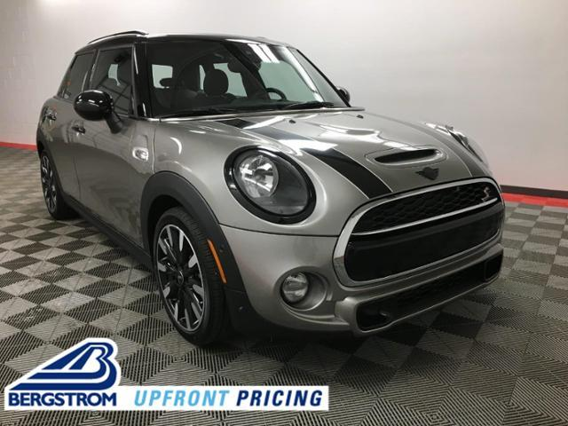 2019 MINI Cooper S Hardtop 4 Door Signature Vehicle Photo in Appleton, WI 54913