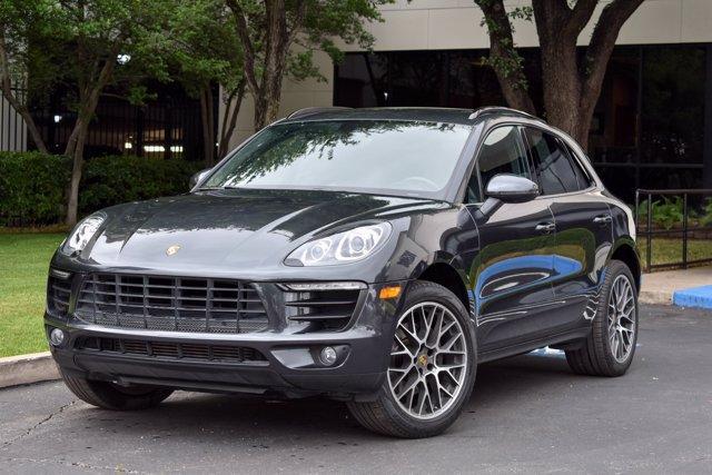 2018 Porsche Macan Vehicle Photo in Dallas, TX 75209