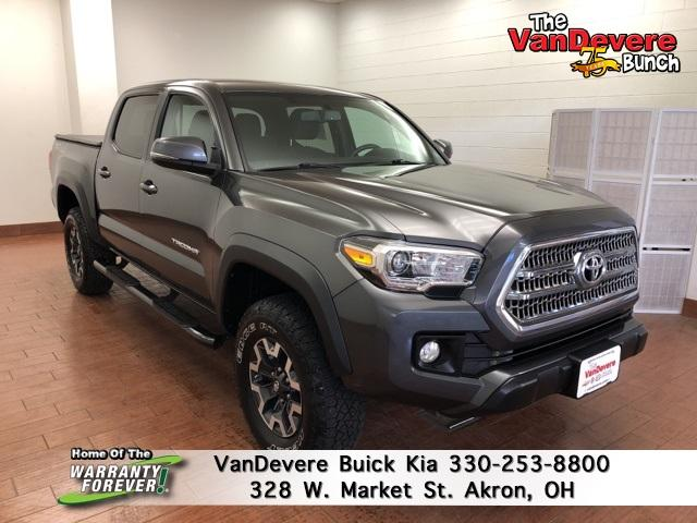 2017 Toyota Tacoma Vehicle Photo in Akron, OH 44303