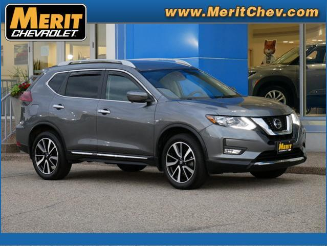 2019 Nissan Rogue Vehicle Photo in MAPLEWOOD, MN 55119-4794