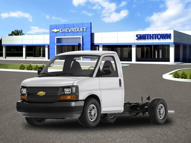 2019 Chevrolet Express Commercial Cutaway Vehicle Photo in Saint James, NY 11780