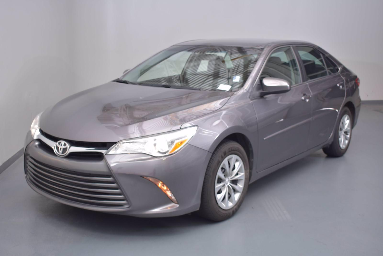2016 Toyota Camry Vehicle Photo in Cary, NC 27511