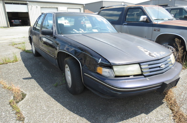 1992 Chevrolet Lumina Sedan FWD