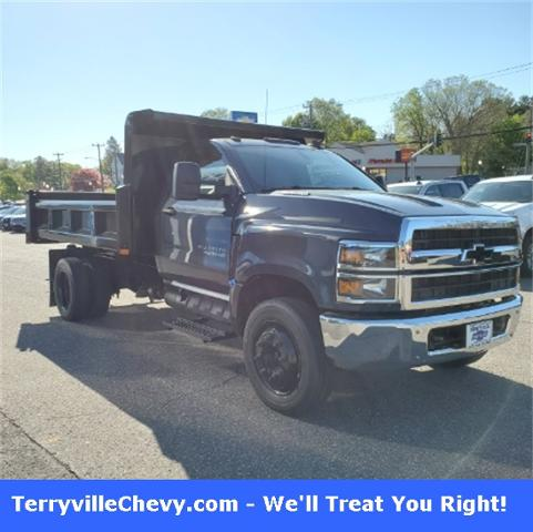 2020 Chevrolet Silverado Chassis Cab Vehicle Photo in Terryville, CT 06786