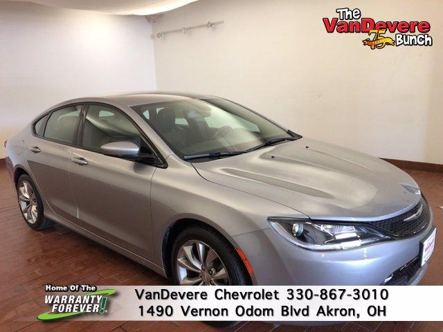 2016 Chrysler 200 Vehicle Photo in AKRON, OH 44320-4088