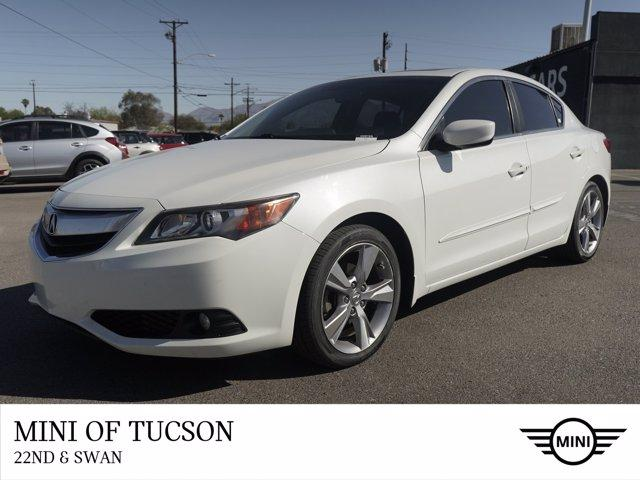 2013 Acura ILX Vehicle Photo in Tucson, AZ 85711