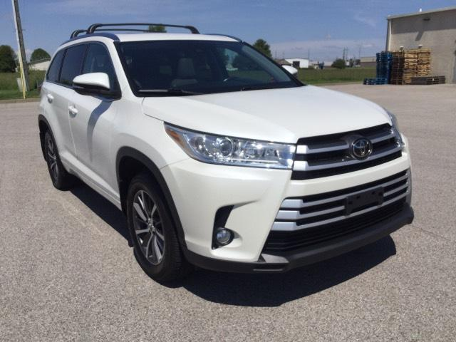 2017 Toyota Highlander Vehicle Photo in Owensboro, KY 42303