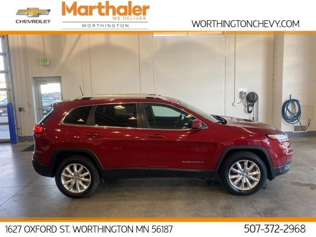 2017 Jeep Cherokee Vehicle Photo in Worthington, MN 56187