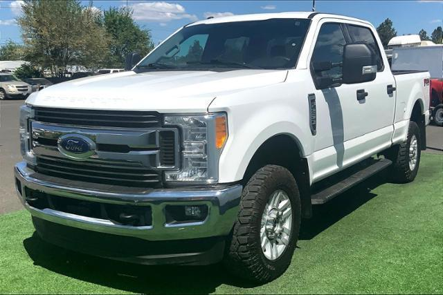 2017 Ford Super Duty F-250 SRW Vehicle Photo in Bend, OR 97701
