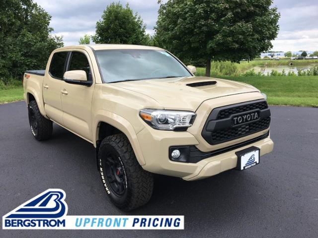 2018 Toyota Tacoma Vehicle Photo in Oshkosh, WI 54904