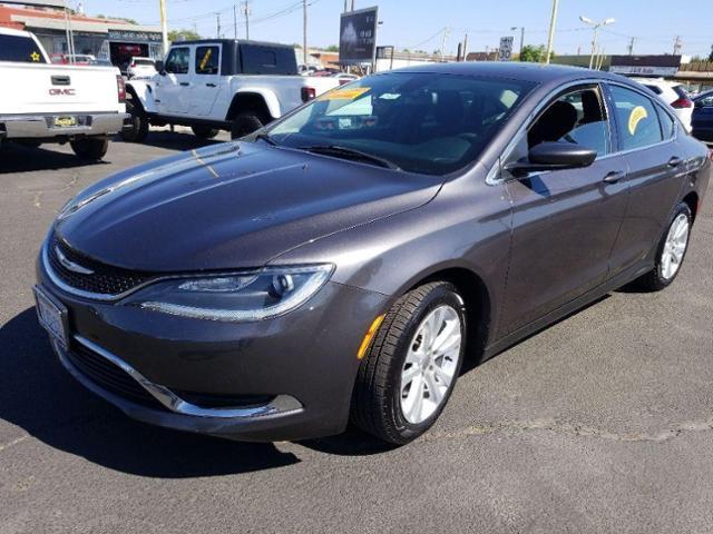 2015 Chrysler 200 Vehicle Photo in Turlock, CA 95380