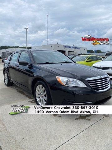 2014 Chrysler 200 Vehicle Photo in AKRON, OH 44320-4088