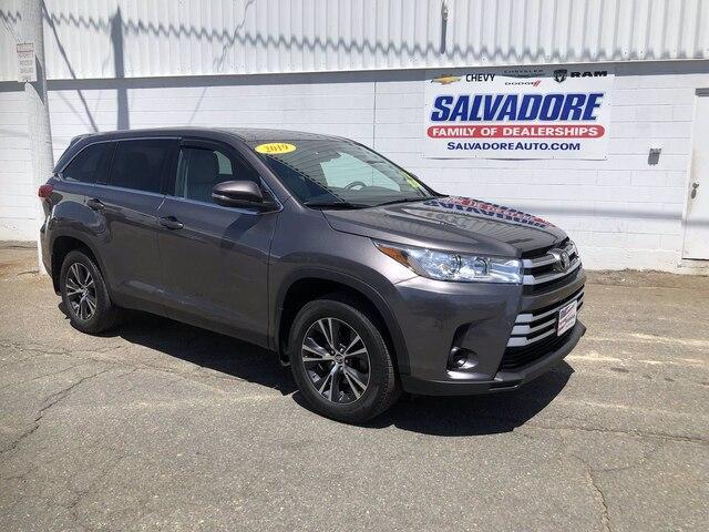 2019 Toyota Highlander Vehicle Photo in Gardner, MA 01440