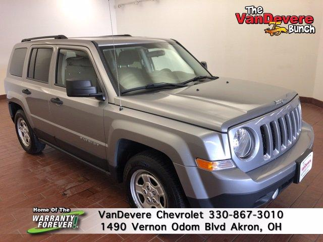 2015 Jeep Patriot Vehicle Photo in AKRON, OH 44320-4088