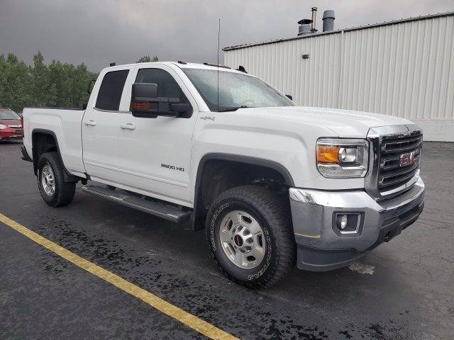 2017 GMC Sierra 2500HD Vehicle Photo in DEPEW, NY 14043-2608